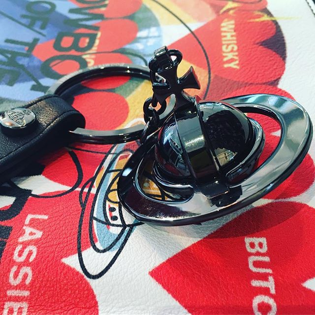We love this Vivienne Westwood 3D orb keyring in gunmetal. In store now at Pour Tous ️️