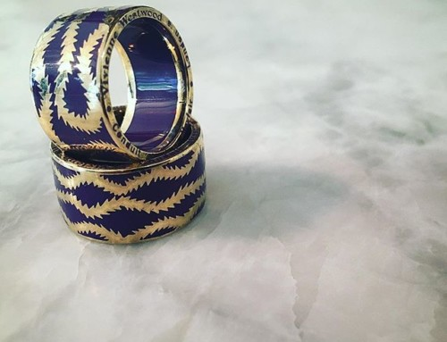 Love these Vivienne Westwood Squiggle band rings were $220 now $110 in our clearance sale ️Shop our insta- Link in our Bio #10747