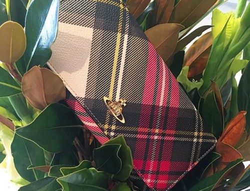 You can't go wrong with the classics. Vivienne Westwood Derby wallet in new exhibition tartan Shop our insta- Link in our Bio #10272