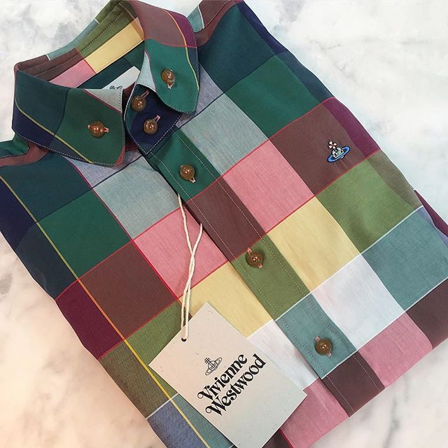 Was $390 now $195. Beautiful colour combination in this men's two button Krall shirt from Vivienne Westwood  shop now link in our bio #11893