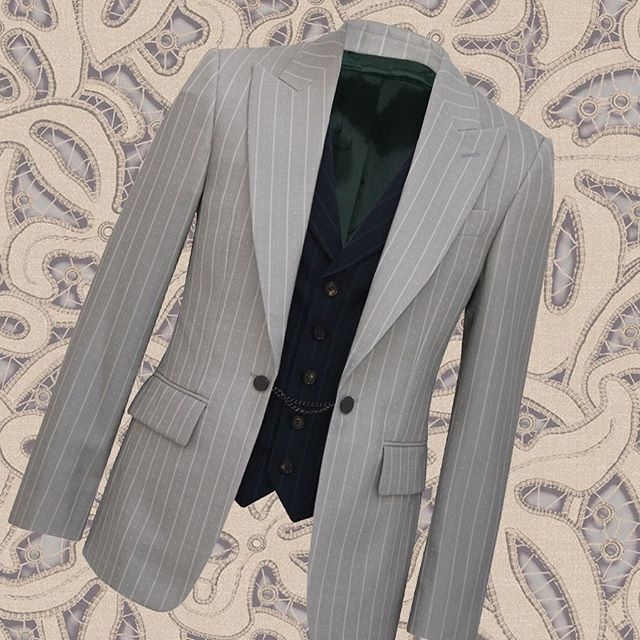 50% off! Was $1950 now $975. Vivienne Westwood Waistcoat jacket in beautiful grey with navy contrast  shop now link in our bio #11870